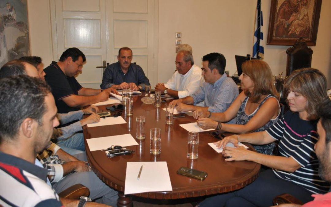 Ο Πρόεδρος του ΤΕΕ Δωδεκανήσου κ. Γιάννης Γλυνός και μέλη της Διοικούσας Επιτροπής, σε συνάντηση εργασίας με τον Δήμαρχο Ρόδου κ. Φώτη Χατζηδιάκο