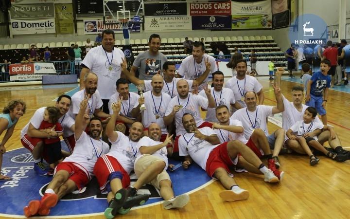 Σας προσκαλούμε να απολαύσετε την προσπάθεια της ομάδας μπάσκετ του ΤΕΕ