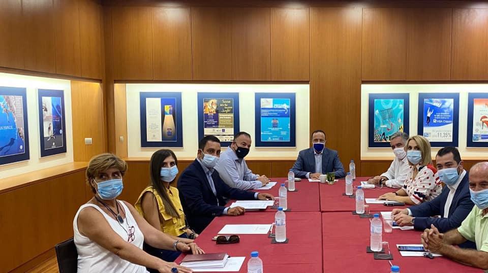Σύσκεψη εργασίας πραγματοποιήθηκε χθές με τους κυβερνητικούς βουλευτές της Δωδεκανήσου και τα επιμελητήρια ΕΒΕΔ, ΤΕΕ, ΟΕΕ.